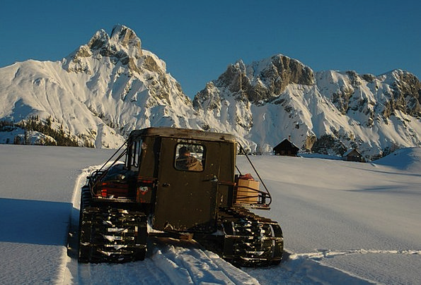 Piste Bullish Snow Groomer Snow Vehicle Winter Sea