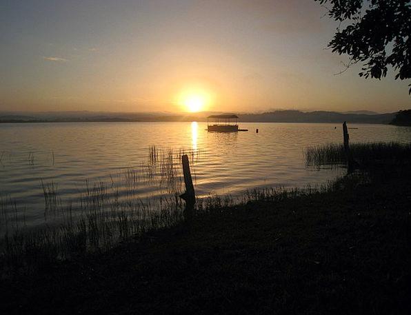 Sunset Sundown Vacation Travel El Remate Lakeshore