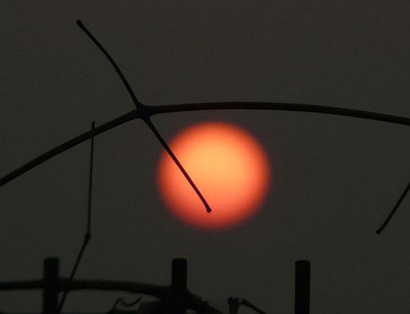 Sun Bloodshot Setting Location Red Trist Gloomy De