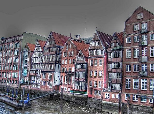 Dyke Road Port Harbor Hamburg Homes Families