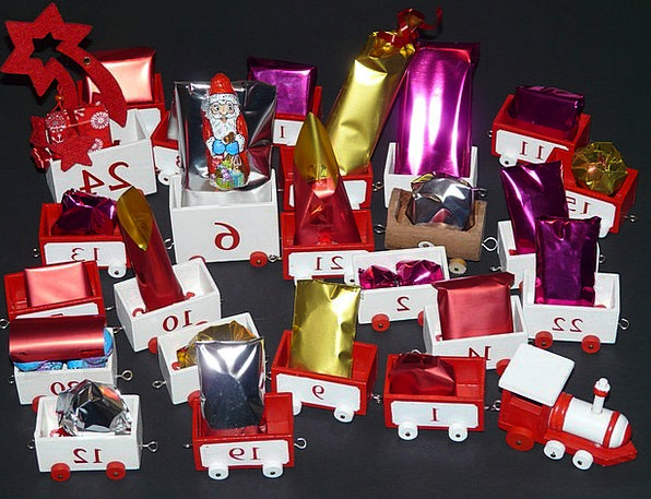 Advent Calendar Handouts Nicholas Gifts Train Pull