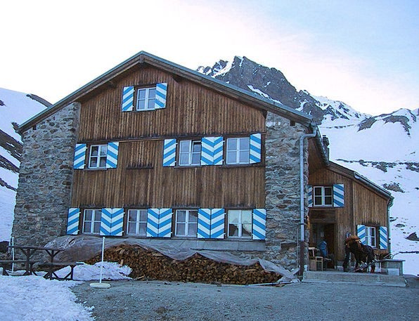 Mountain Hut Hut Shed Rest House Berghaus Tuoihuet