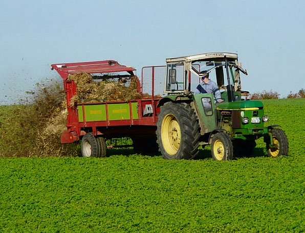 Agriculture Farming Fertilize Inseminate Tractor C
