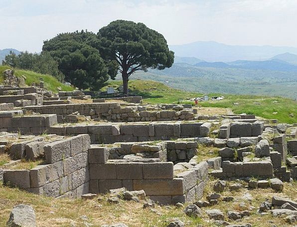 Pergamon Monuments Places Excavations Digs Turkey
