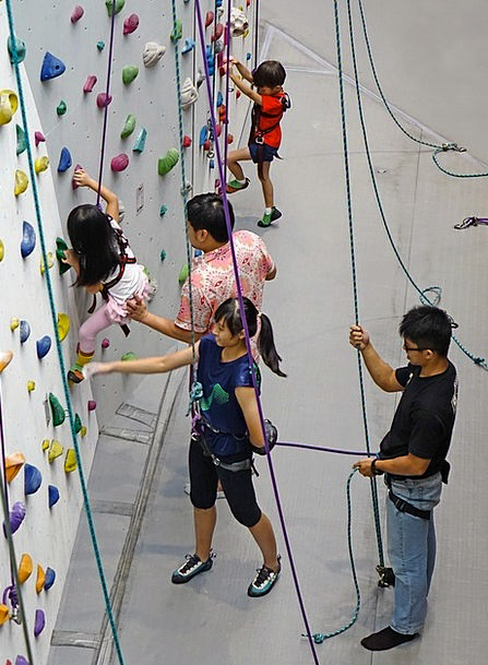 Climbing Uphill Cord Rappelling Rope Strength Wall