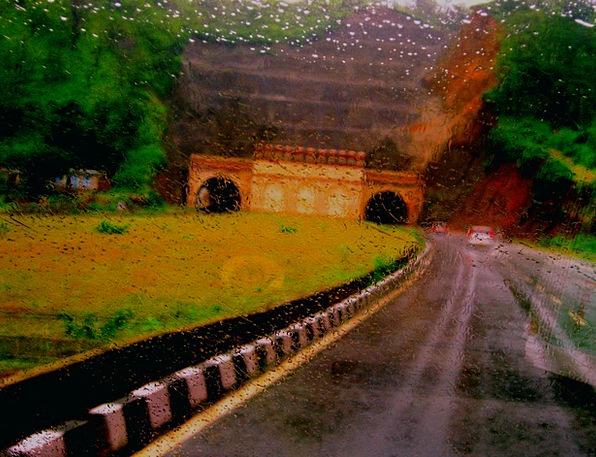 Driving Heavy Thoroughfare Rain Volley Highway Lan