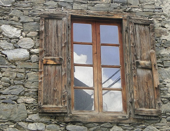 Window Gap Gravels Wall Partition Stones Old Windo