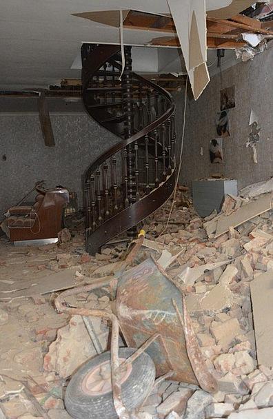 Demolition Destruction Trick Wheelbarrow Barrow Tr