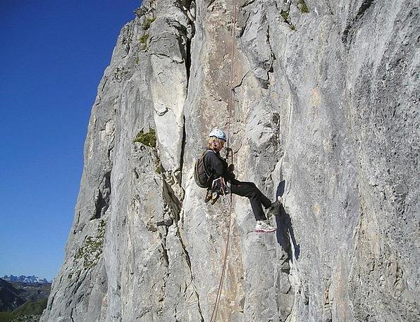 Abseil Rock Pillar Bersport Alpine Climbing Climb