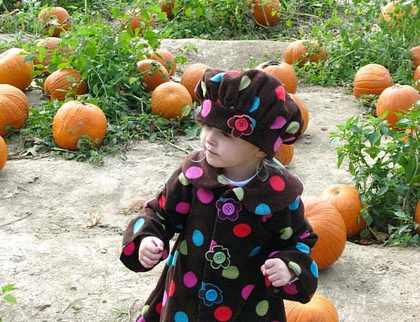 Girl Lassie Slight Cap Lid Little Pumpkin Child Sm