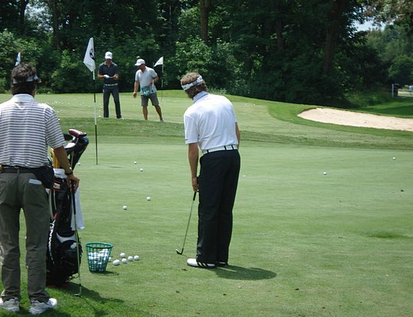 Golf Golf Course Golfers Golf Training Chipping Be