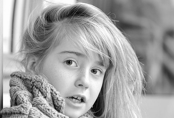 Girl Lassie Youngster Face Expression Child View O