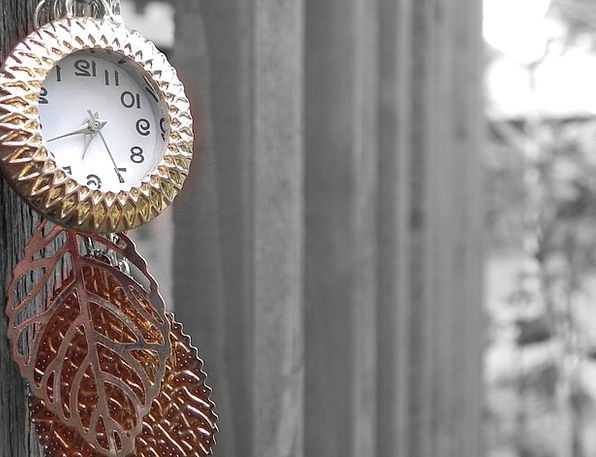 Necklace Chain Barrier Clock Timepiece Fence Time