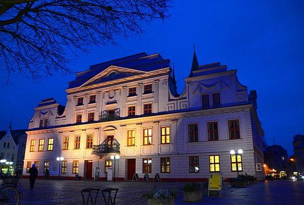 Market Marketplace Mecklenburg Güstrow Town Hall N