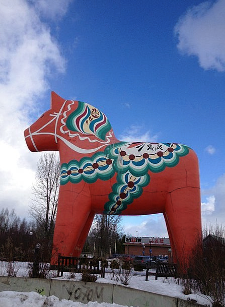 Dalahorse Mount Red Bloodshot Horse The Valleys Sw