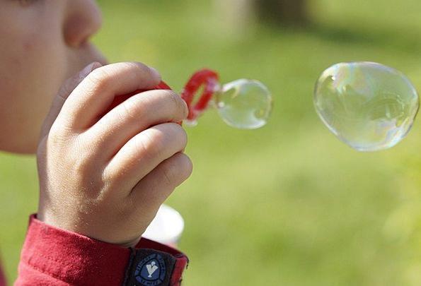 Soap Bubbles Child Youngster Make Soap Bubbles Chi
