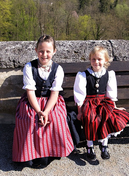 Bavarian Broods Girls Lassies Children Costume Clo