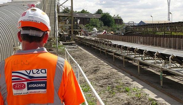 Crossrail Craft Building Industry Worker Employee