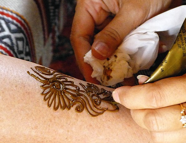 Henna Color Signal Abu Dhabi Tattoo