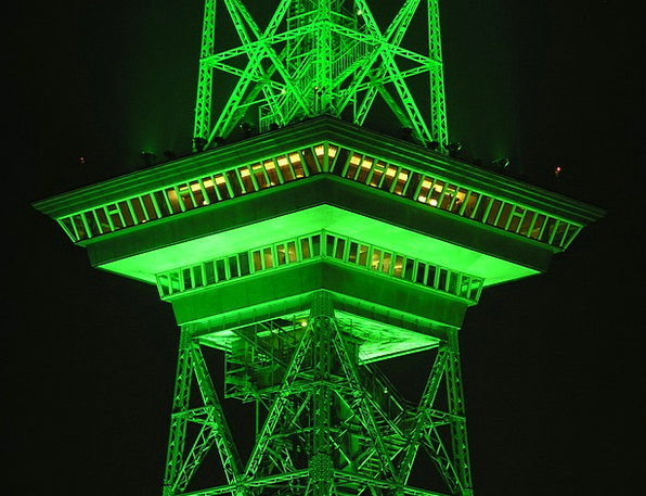 Radio Tower Night Nightly Berlin Green Lime Illumi