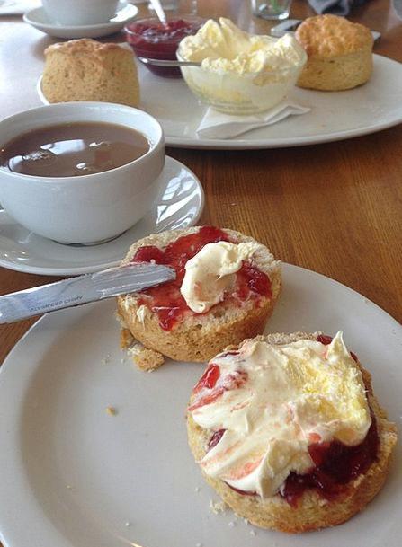 Breakfast Mealtime Jam Gridlock Cream Tea Cream Oi