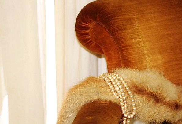 Pearl Necklace Stoles Garments Fur Stoles Chair Ch