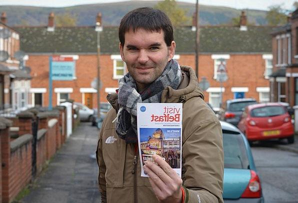Travel Guide Handbook Vacation Traveler Man