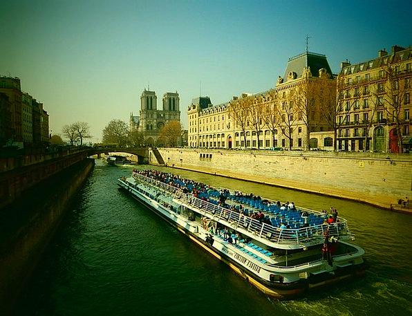 Its His River Stream Paris Ship Vessel Tourists Fr