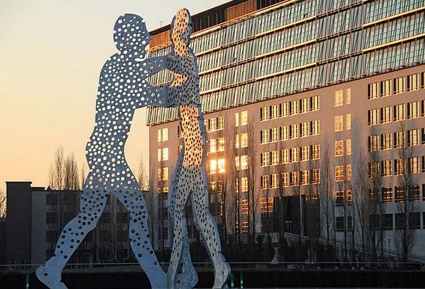 Molecule Men Buildings Architecture Spree Binge Be
