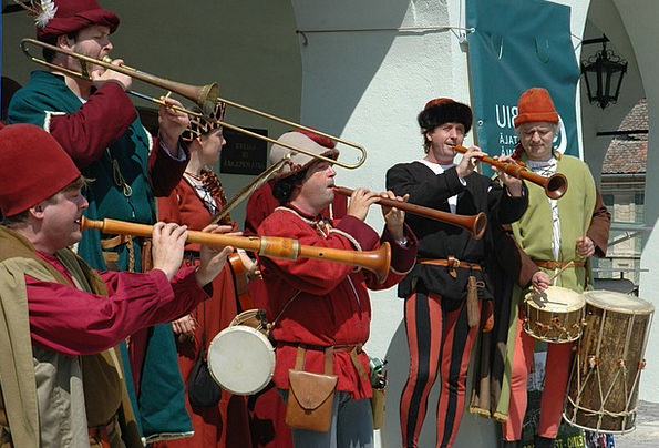 Medieval Feudal Group Singing Vocal Band Instrumen