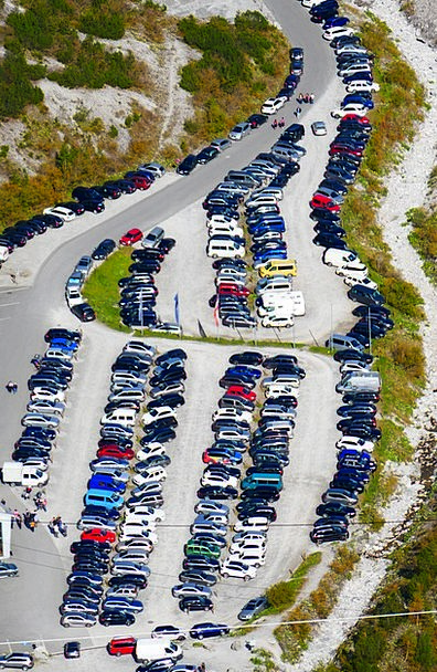 Park Common Space Crowded Packed Parking Full Fill