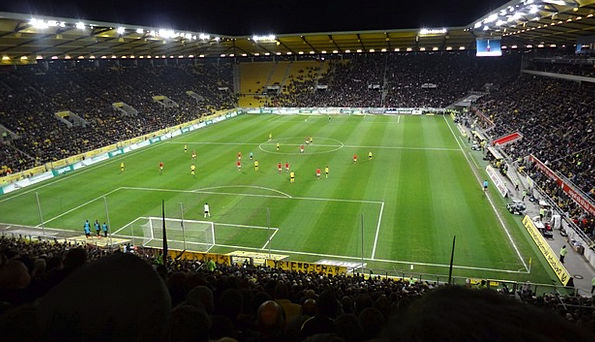 Stadium Arena Park Viewers Spectators Playing Fiel