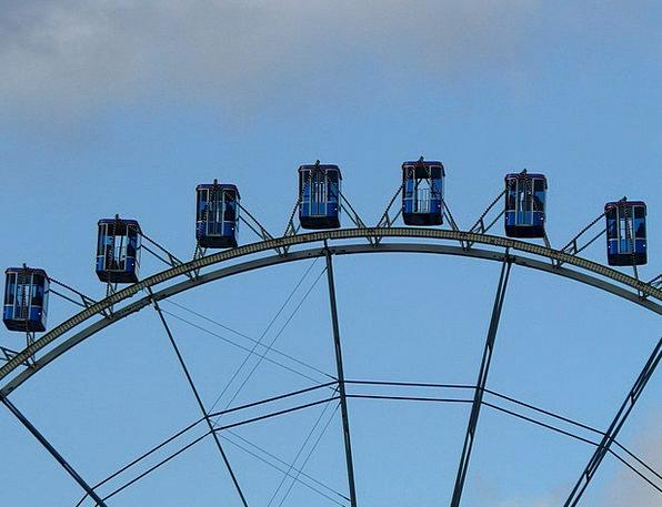 Ferris Wheel Float Drift Gondolas High Tall Carnie