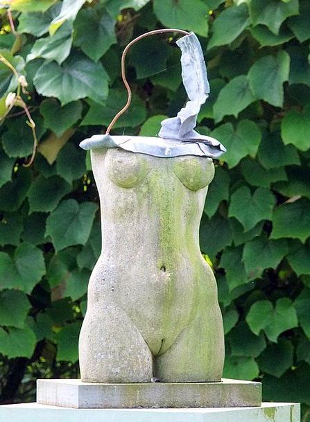 Statue Figurine Fashion Feminine Beauty Form Proce