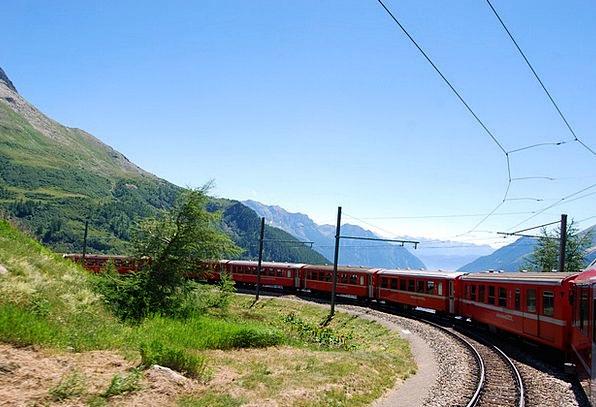 Train Pullman Bloodshot Switzerland Red Tracks Pat