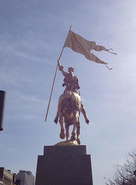 Statue Figurine Standard Joan Of Arc Flag Golden S