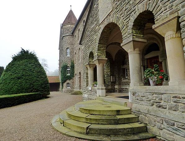Abbey Cloister Trick Entrance Arrival Trap Clervau