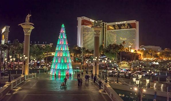 Venetian Buildings Architecture Christmas Tree Las