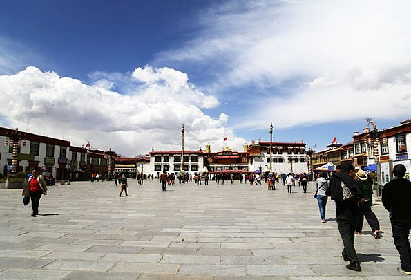Lhasa Jokhang Temple Tibet Blue Sky The Majestic B