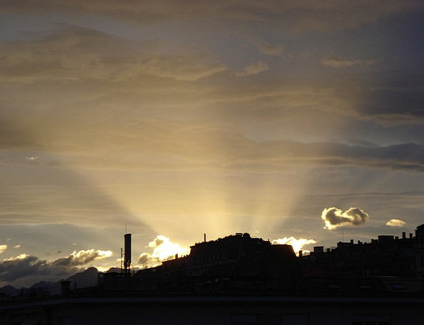 Rays Emissions Dawn Beginning Sun Lausanne Switzer