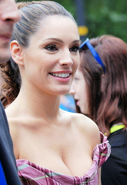 Kelly Brook Fashion Perfect Beauty Actress Perform