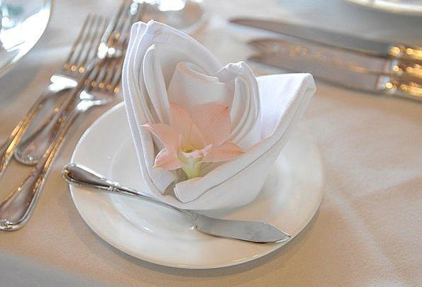 Flower Floret Petal Table Set Napkin Bib Wedding T