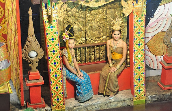 Thai Girls Vacation Travel Thai Show Thai House Th