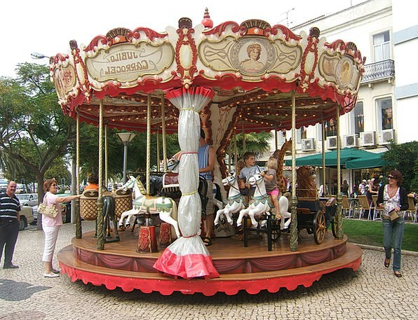 Carousel Broods Horse Mount Children Merry Go Roun