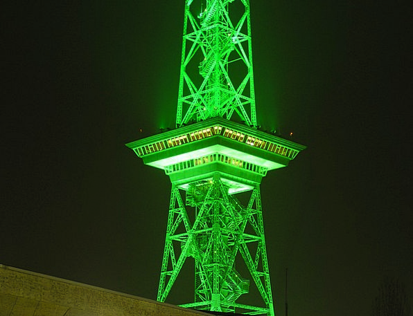 Radio Tower Night Nightly Berlin Green Lime Illumi