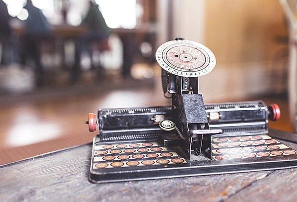 Typewriter Numerical Keyboard Console Digital Retr
