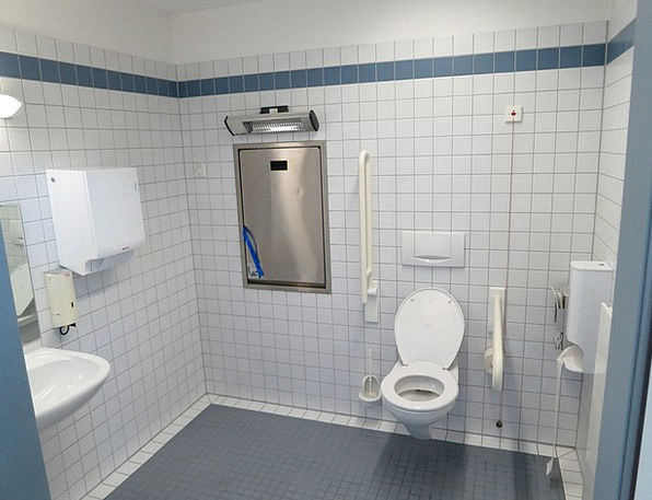 Wc Disabled Incapacitated Barrier Free Toilet Changing Table - Disabled changing table