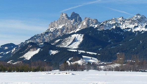 Tyrol Red Flüh Tannheimertal Gimpel Panorama Winte