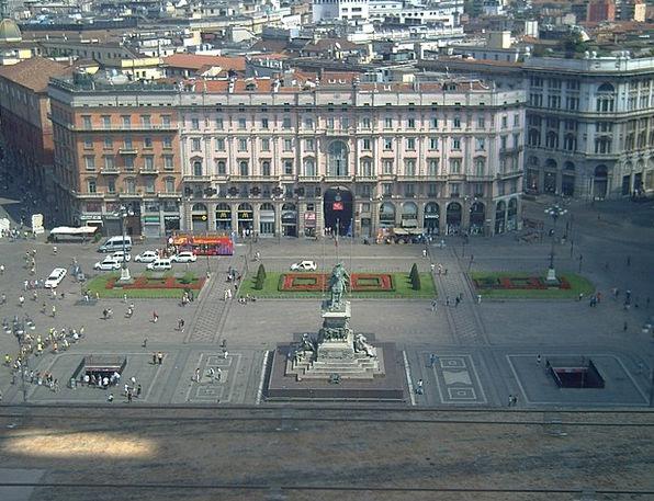 Plaza Piazza Milano Duomo