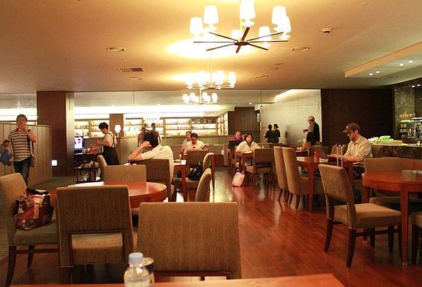 Airport Airfield Salon Asiana Lounge